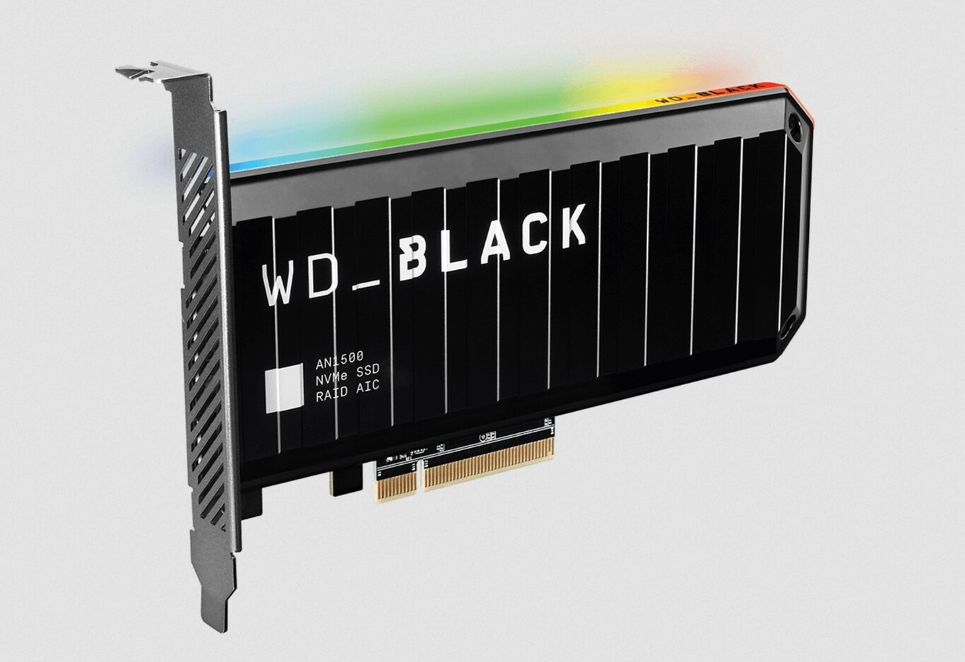 You still don't need PCIe 4.0: the new WD Black AN1500 combine two SSDs in RAID 0 to achieve transfers of up to 6,500 MB / s